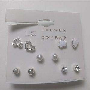 🙂 4 for $25 🙂 5 pairs LC Lauren Conrad earrings